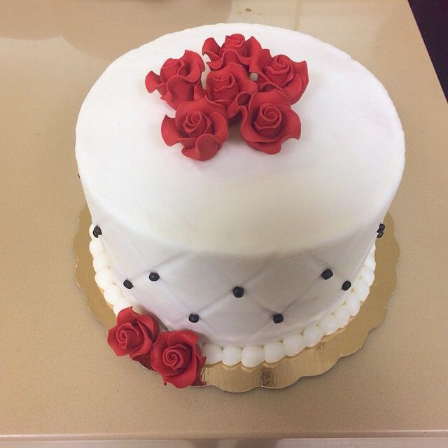 Simple but elegant birthday cake Cakes and Cupcakes Pinterest
