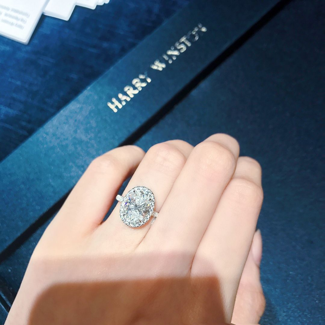 Pin By Jordan Corby On Diamonds Harry Winston Engagement Rings Micro Pave Engagement Rings Beautiful Engagement Rings