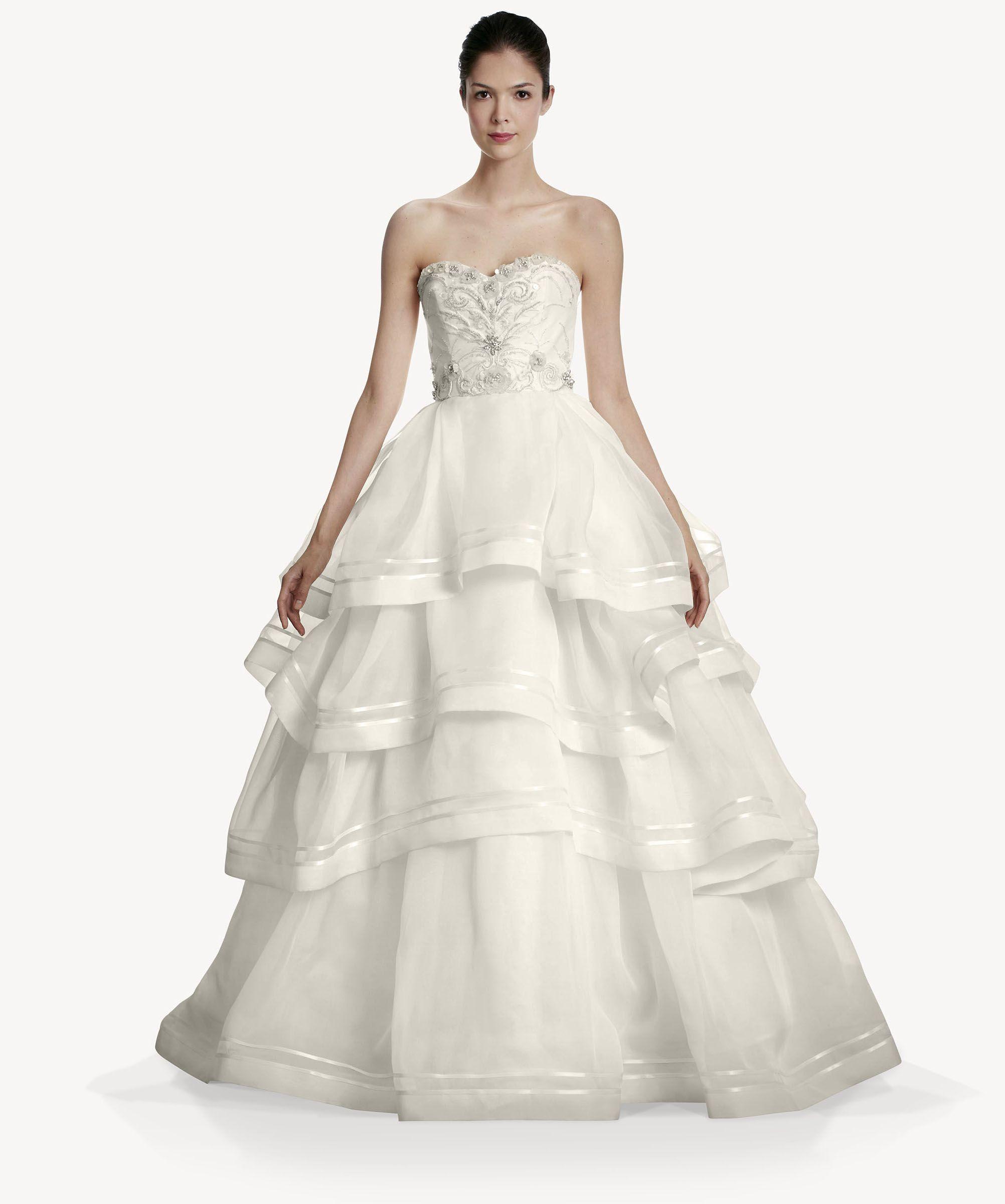 Impresionante vestido de novias de Carolina Herrera. Precioso.