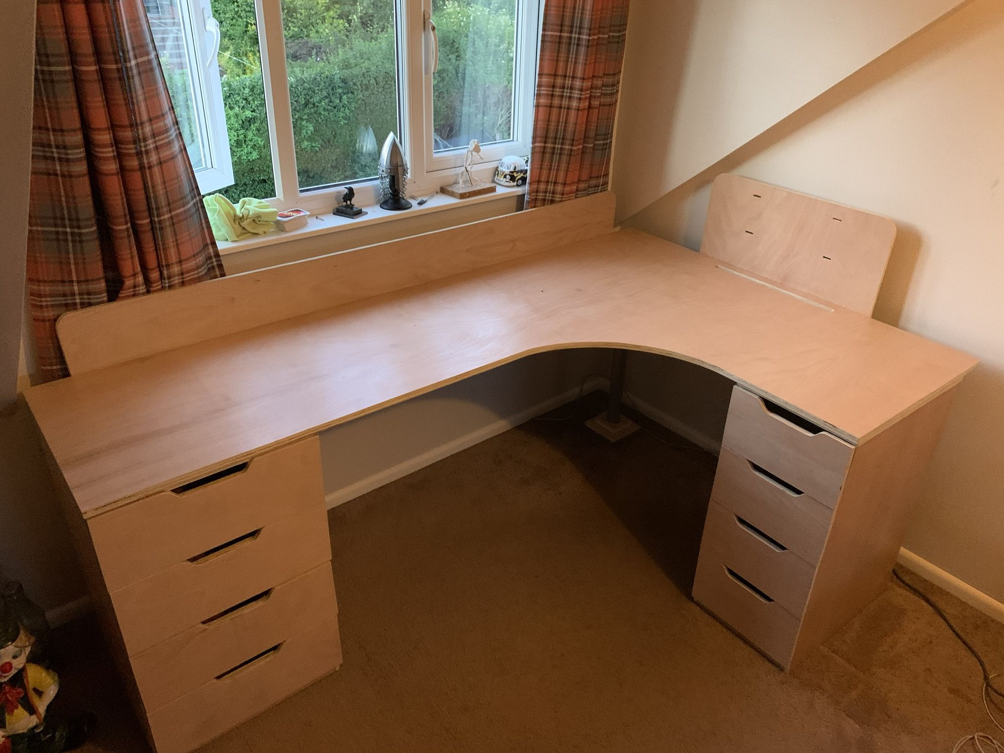 Building a corner desk with no carpentry experience