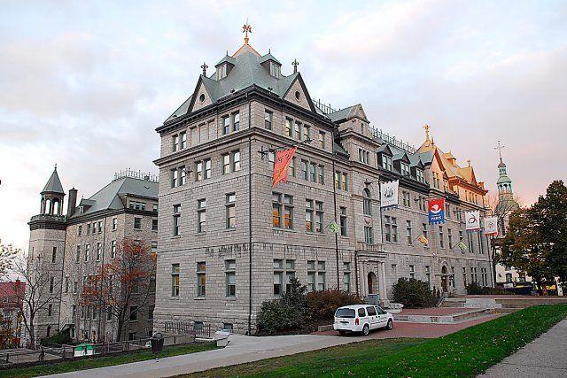 Moody S Maintient La Cote Aa2 De Quebec Quebec Economie Ville