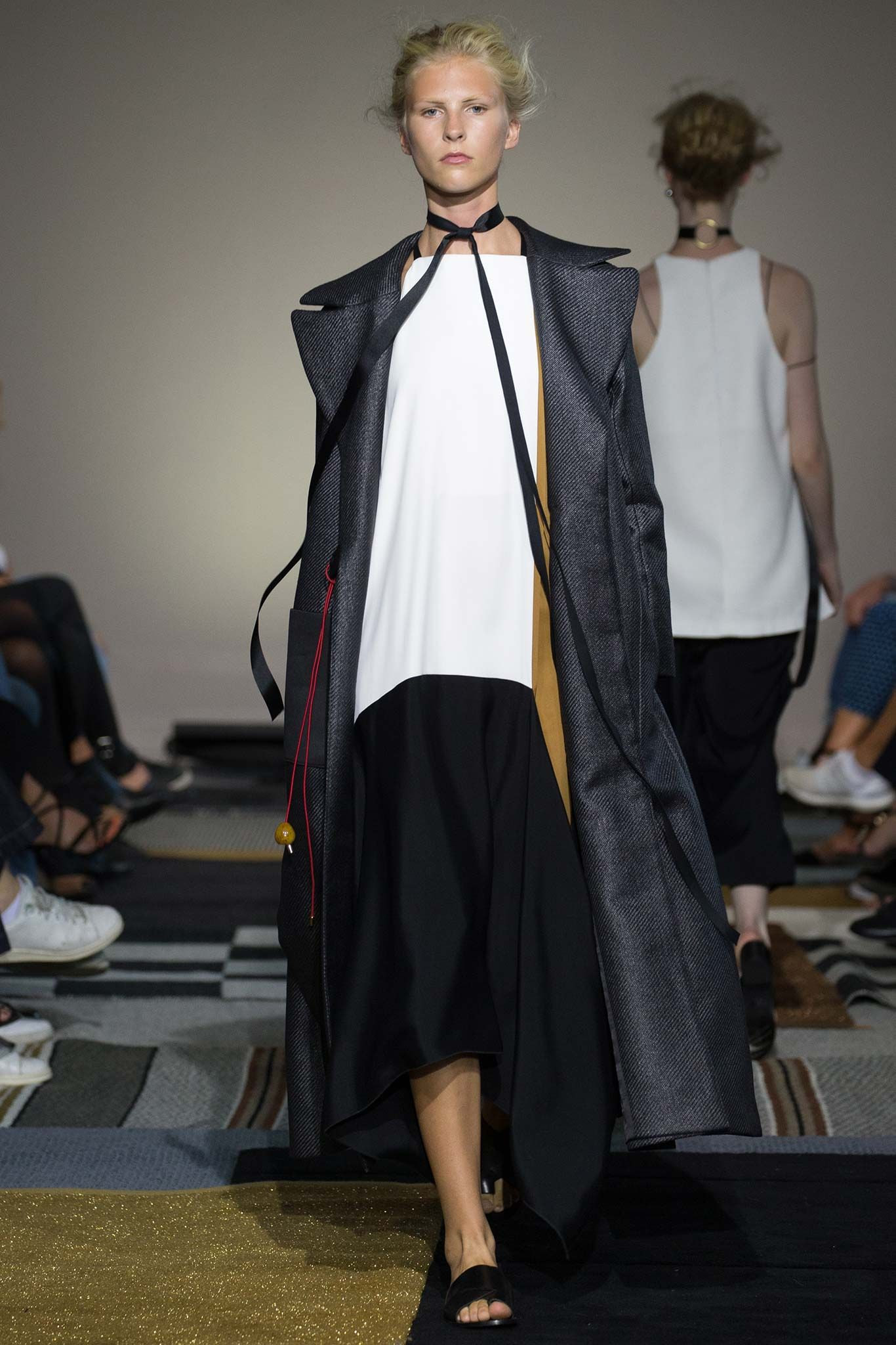 http://www.style.com/slideshows/fashion-shows/stockholm-spring-2016/altewaisaome/collection/20
