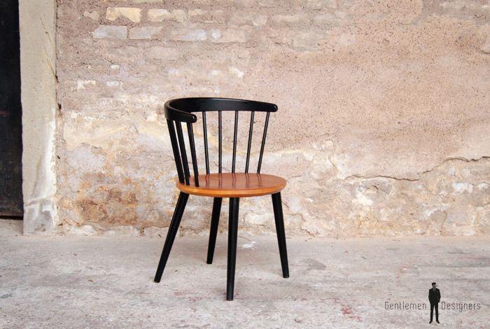 1 chaise scandinave vintage en teck barreaux noir. Black Bedroom Furniture Sets. Home Design Ideas