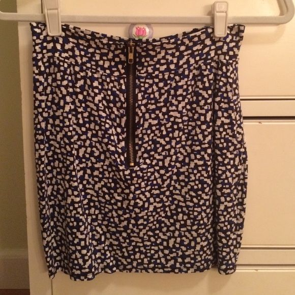 Urban Renewal Patterned Skirt stretchy with zipper in front! Urban Outfitters Skirts Mini