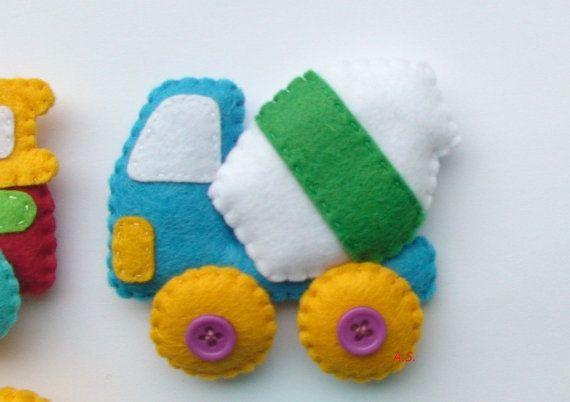 techics magnete filz f r kinder cars spielzeug von developingtoys idee. Black Bedroom Furniture Sets. Home Design Ideas