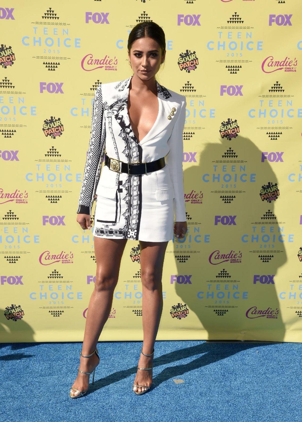 9de94c3560 Shay Mitchell – 2015 Teen Choice Awards in Los Angeles