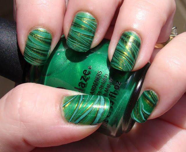 Emerald Nails for St. Pat\'s Day | Link to Water Marble Nail Art ...