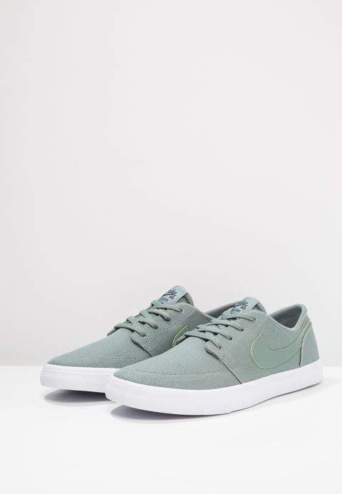 Nike SB PORTMORE II SS CNVS - Trainers - clay green/black/white gnlEFVxdxy