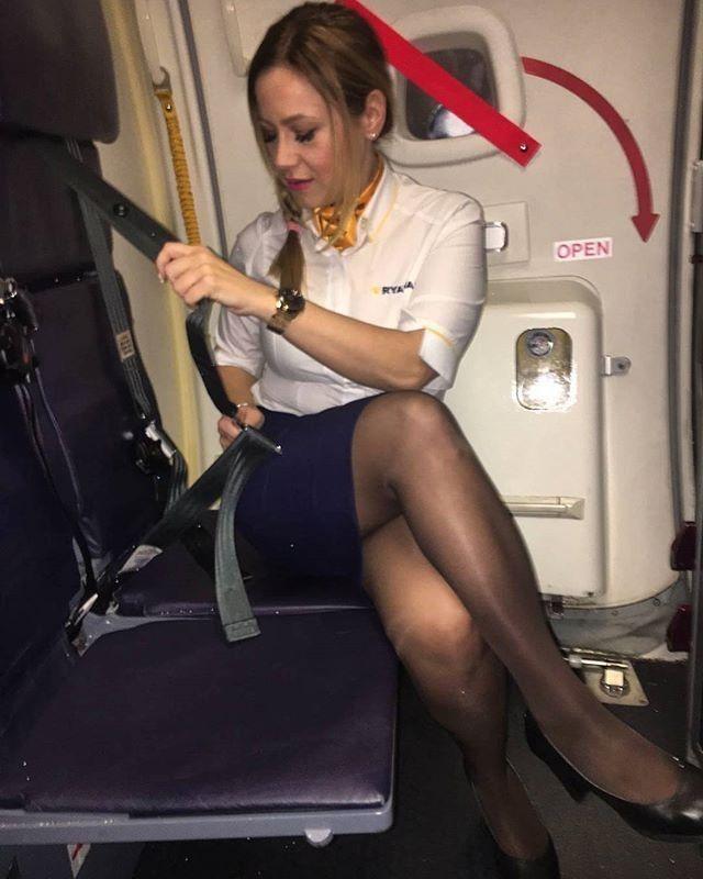 Голые стюардессы онлайн кажется