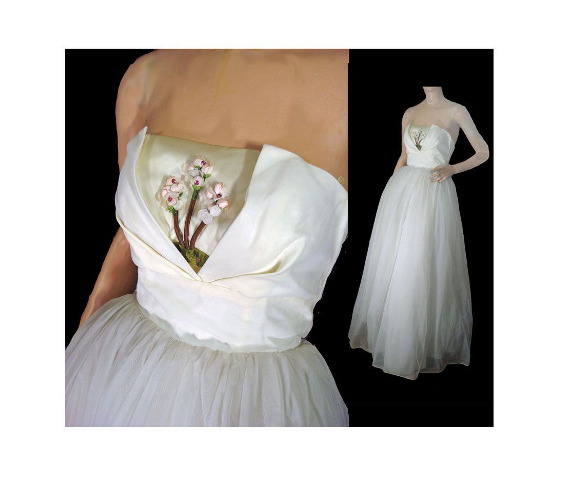 Vintage s prom dress wedding dress off white strapless ruffled