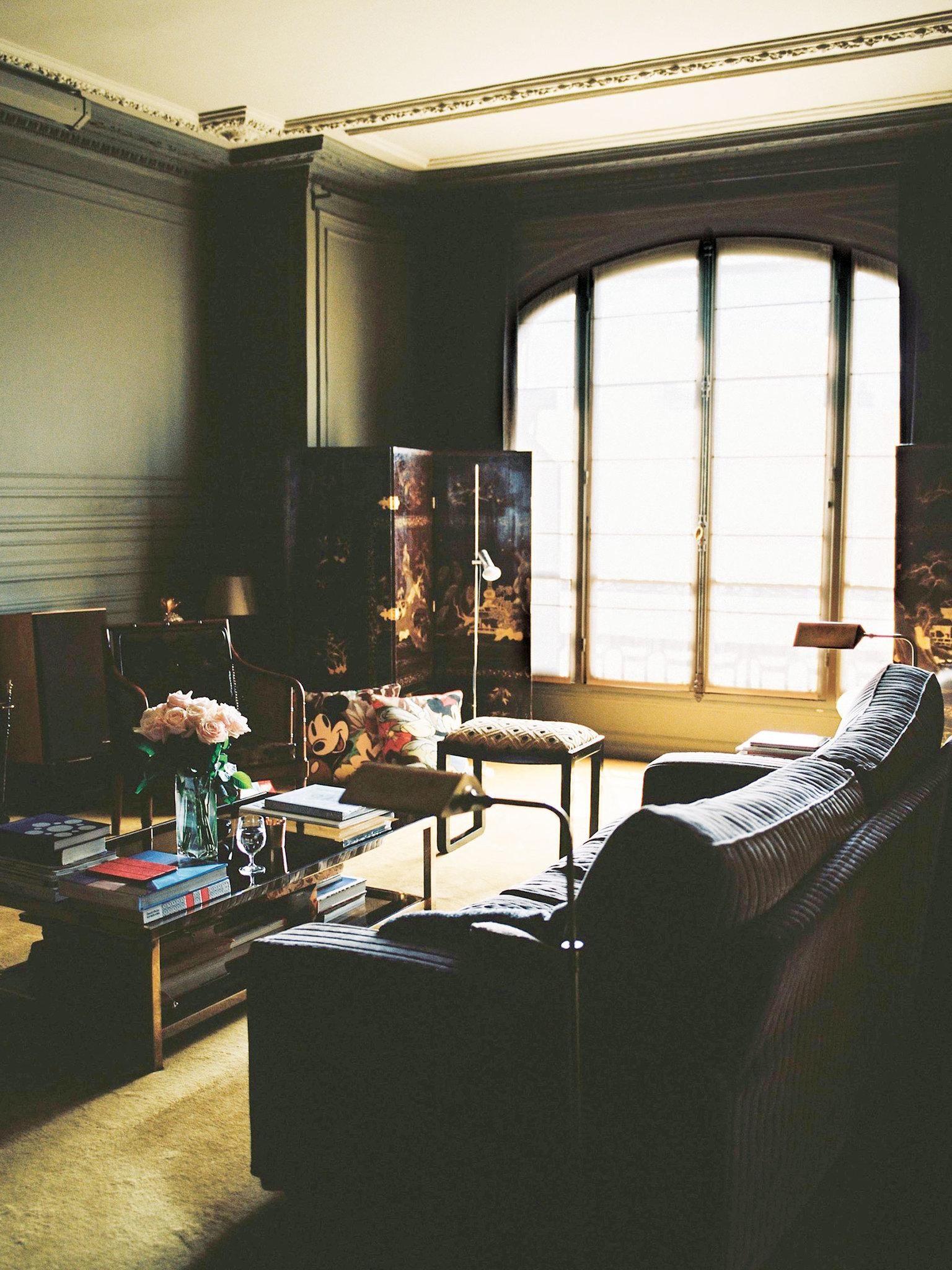 A Parisian Apartment With The Spirit Of Serge Gainsbourg Published 2018 Parisian Apartment Decor Parisian Apartment Parisian Interior The living room band
