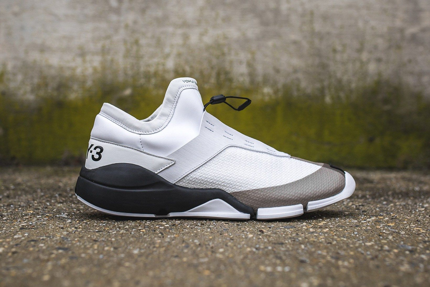 "The Y3 Future Low Returns in ""White/Core Black"