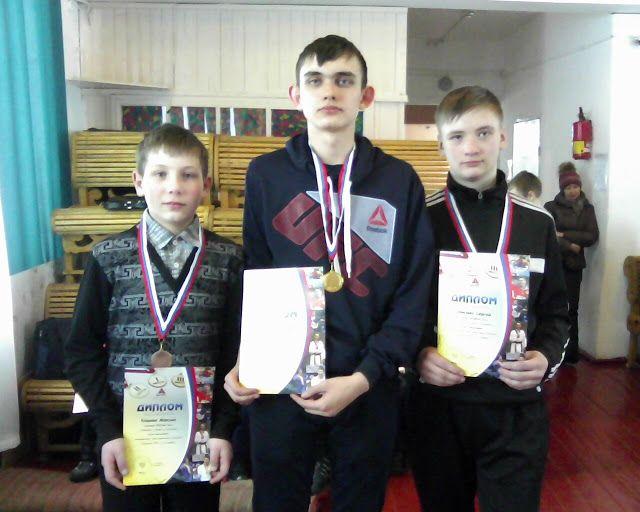 Ребриха шахматная: Фотографии призеров школьного турнира