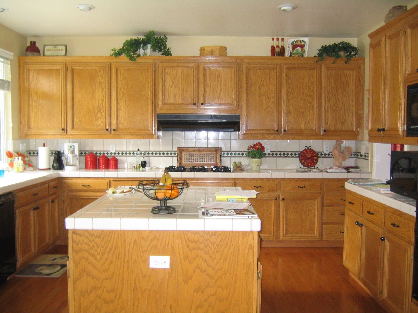 Painting golden oak cabinets - Kitchen Ideas With Black Appliances And Oak Cabinets Scxub
