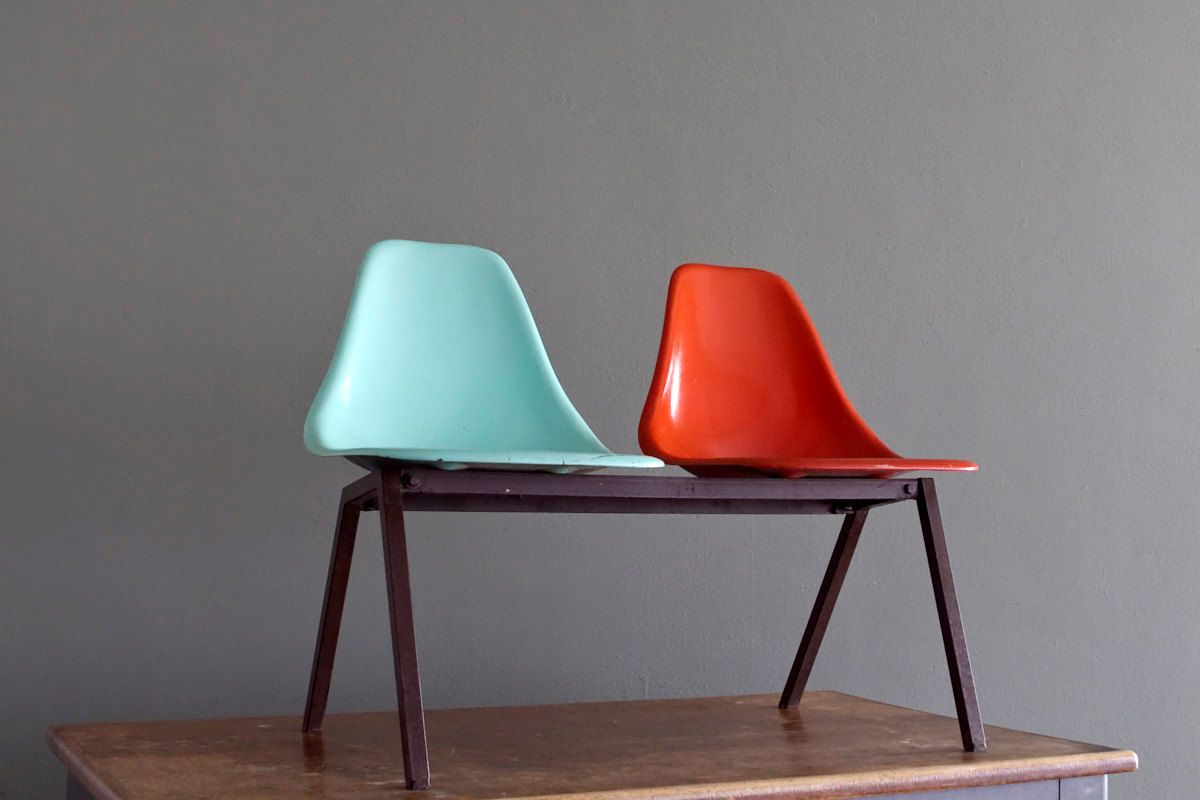 Delicieux 1950u0027s Laundromat Shell Chairs In Turquoise U0026 Red Fiberglass On Steel  Tandem. $225.00, Via