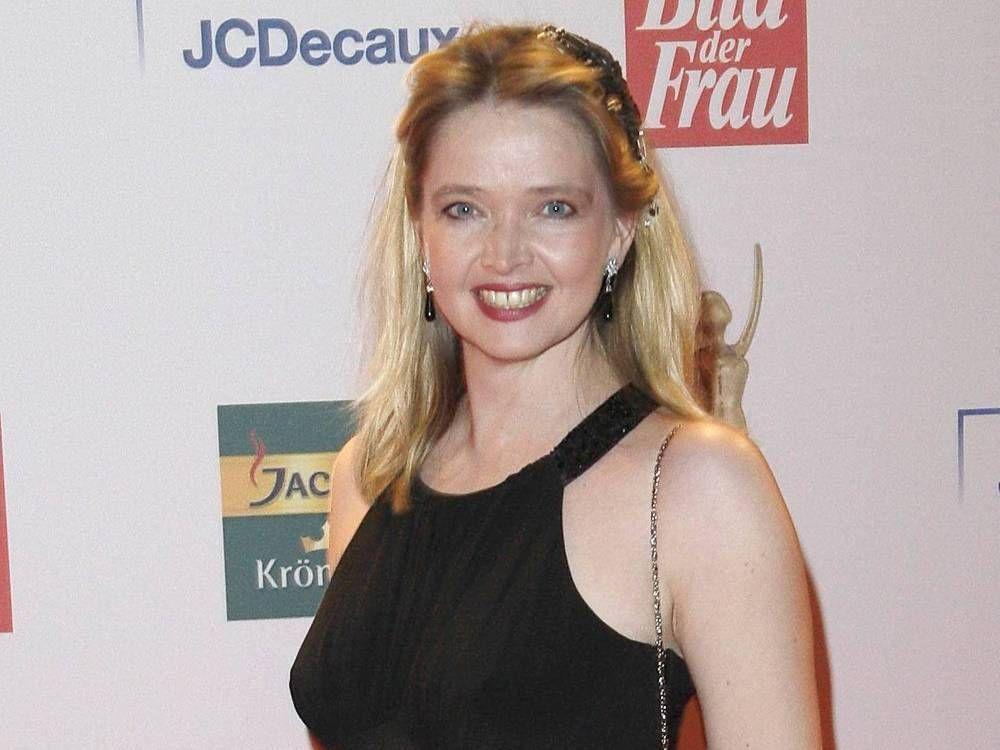 Ehe Von Tv Star Julia Biedermann Ist Gescheitert Trend Magazin Tv Star Star Wars Ehe