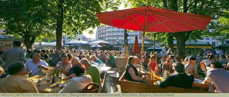 Biergarten Am Viktualienmarkt Munchen Bayern Deutschland Biergarten Munchen Und Bier