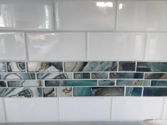 x 8mm glass mesh mounted mosaic tile