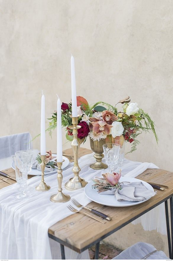 Winter Wedding Inspiration With A Romantic Touch Romantic Dinner Tables Romantic Dinner Decoration Romantic Table Setting