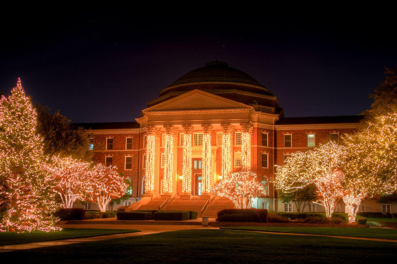 Holiday Lights At SMUu0027s Dallas Hall (wanna See This Again)