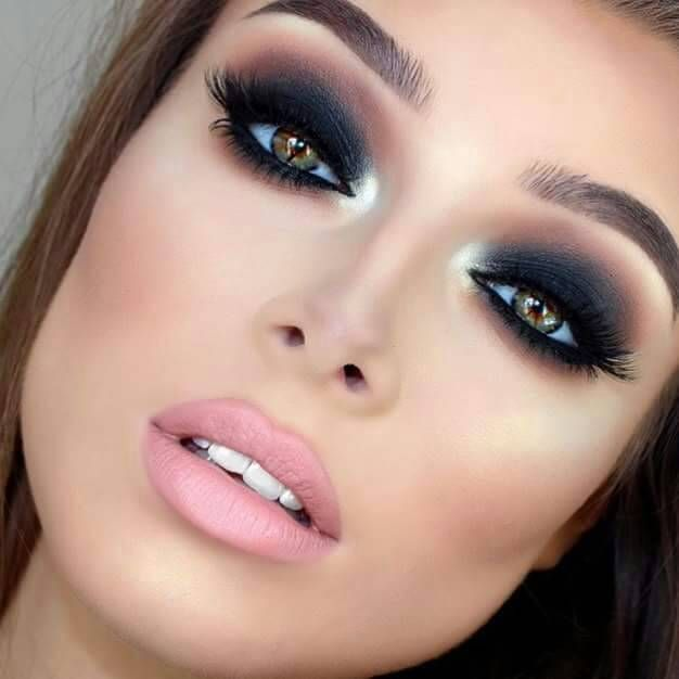 How to do and apply smokey eye makeup tutorial with steps for green. blue  and brown eyes and dark skin. Best smokey eye makeup looks, ideas and  inspiration.