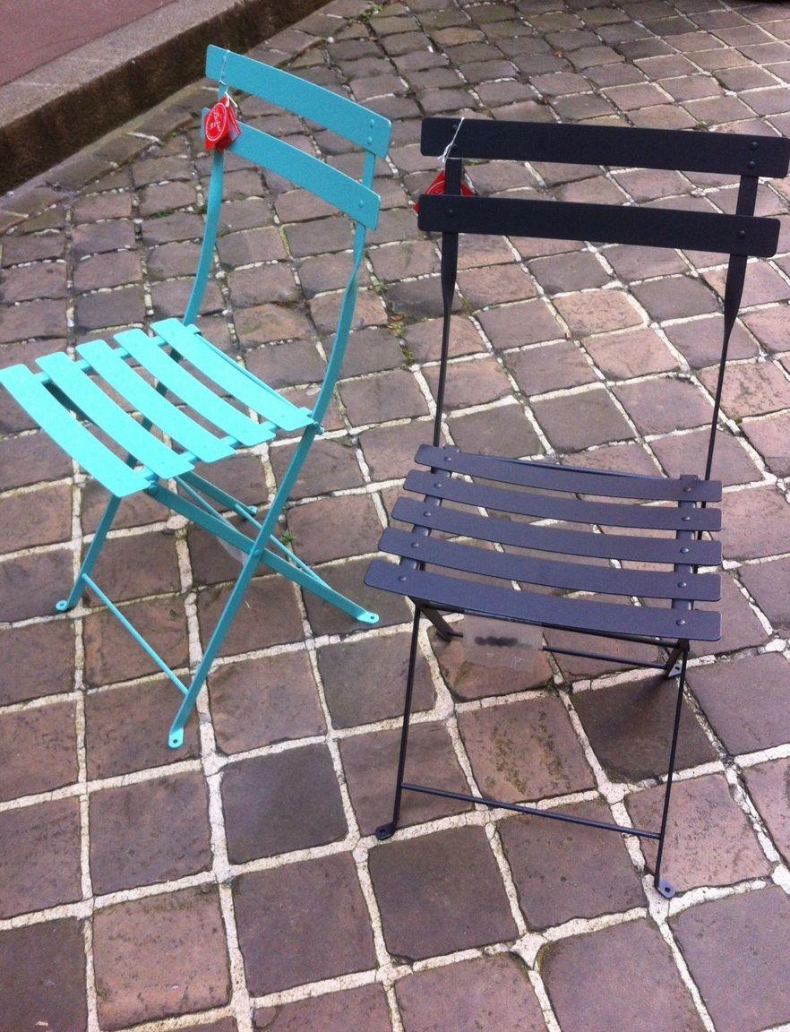 Chaises Bistro Fermob Couleur Gris Carbone Et Bleu Lagune Backyard Inspiration Outdoor Chairs Outdoor Decor