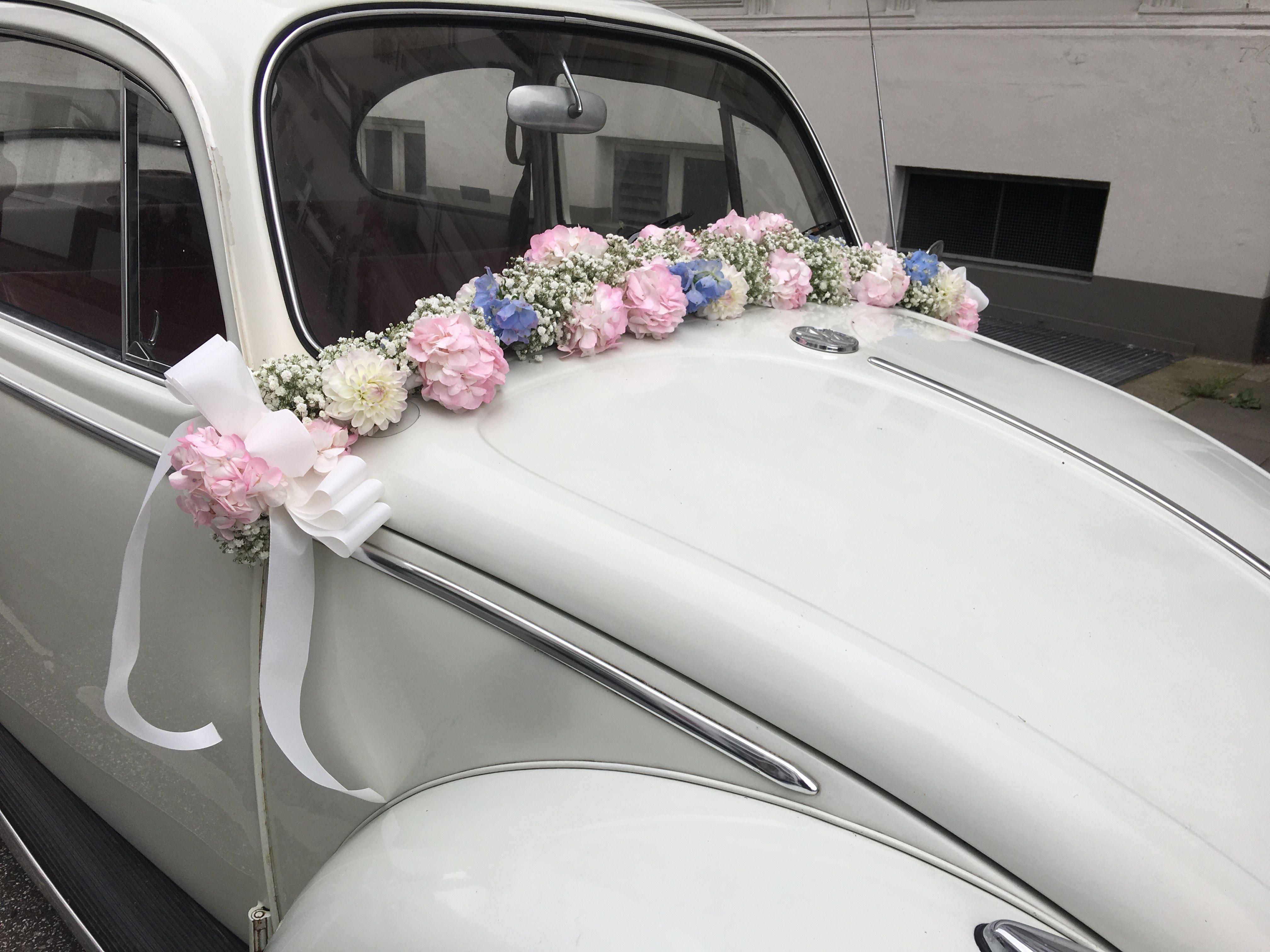 Blumenschmuck Hochzeit Auto Herz Aus Rosen Fur Die Motorhaube Auf