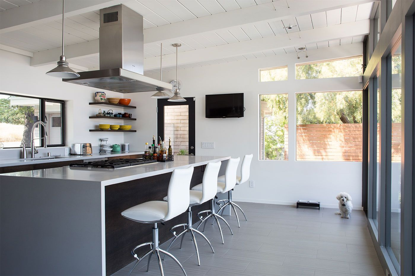Mid Century Modern Kitchen Design - What is the Best Interior Paint ...