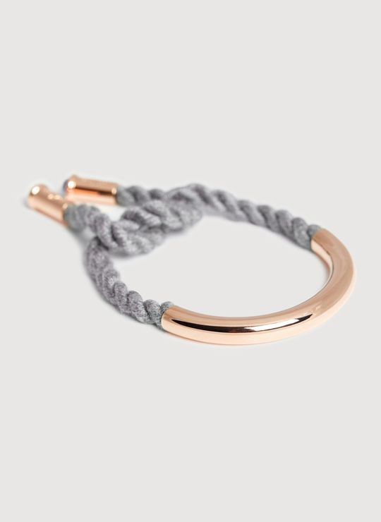 Check the way to make a special photo charms, and add it into your Pandora bracelets. Shop for the Curve Knot Bracelet at Kit and Ace. Kit and Ace provides technical clothing for men and women.