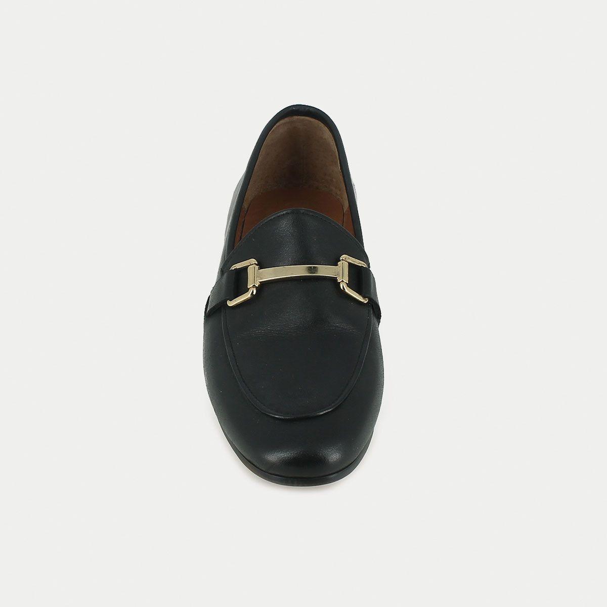 Mocassins en cuir noir | Mocassin, Cuir noir, Chaussure