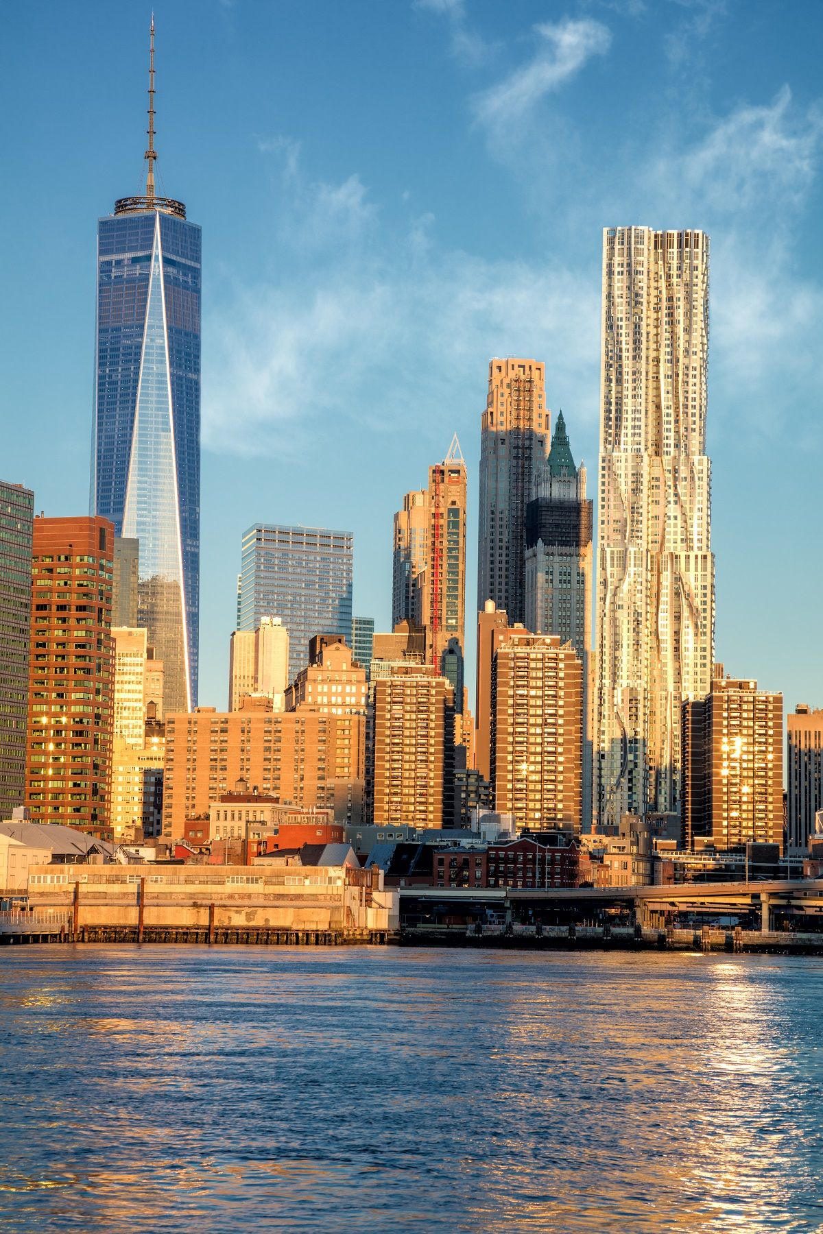 See New York City's Highlights On A 5-hour Tour By Luxury