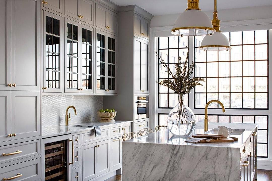 Gold Coast Cabinet Co On Instagram Looking For Inspiration For Your Dream Kitchen We Love The Brass Har Luxury Kitchens Kitchen Marble Luxury Kitchen Design