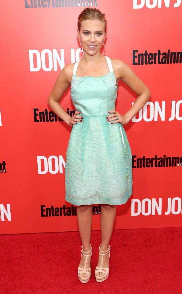Scarlett Johansson Wears a Grocery Store Shopping Bag as a Dress ...