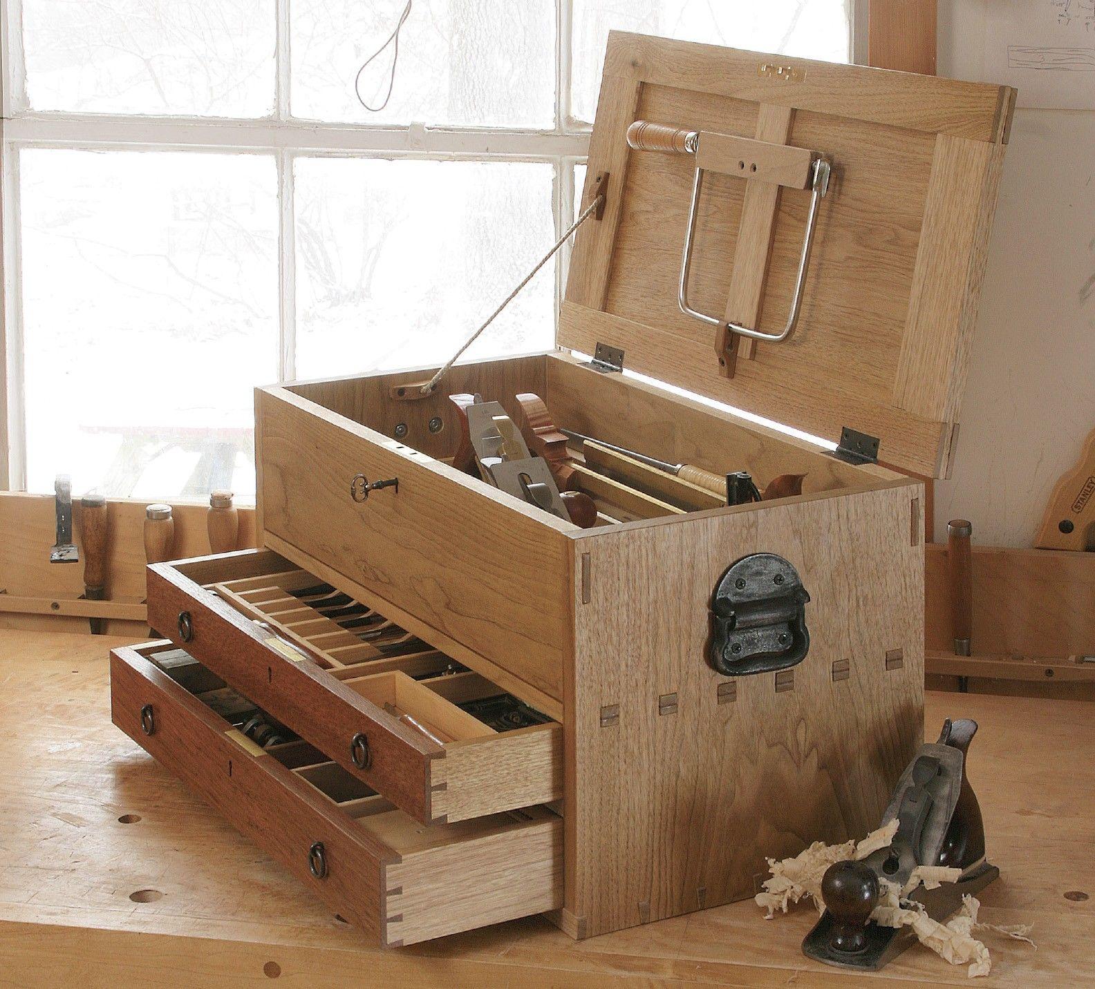 essential tool chest digital plan woodworking pinterest outils menuiserie et caisse a. Black Bedroom Furniture Sets. Home Design Ideas