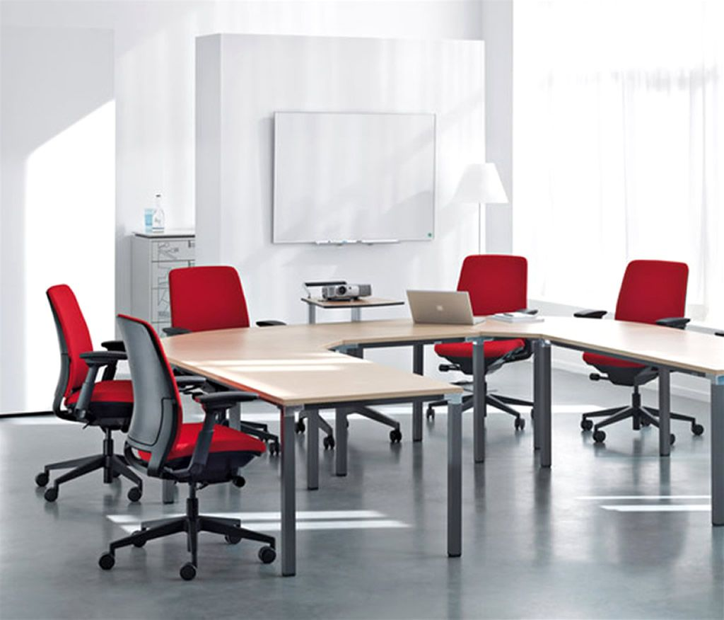 Choosing Chair For Office Modern Office Room With Red Chairs Office Coole Burostuhle Roter Burostuhl Buro Zimmer