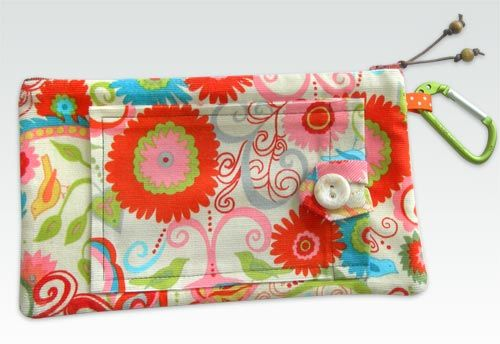 Pretty little pencil (or makeup, or button, or all-purpose) bag to start the school year off right. I must have made 8 of these this summer!