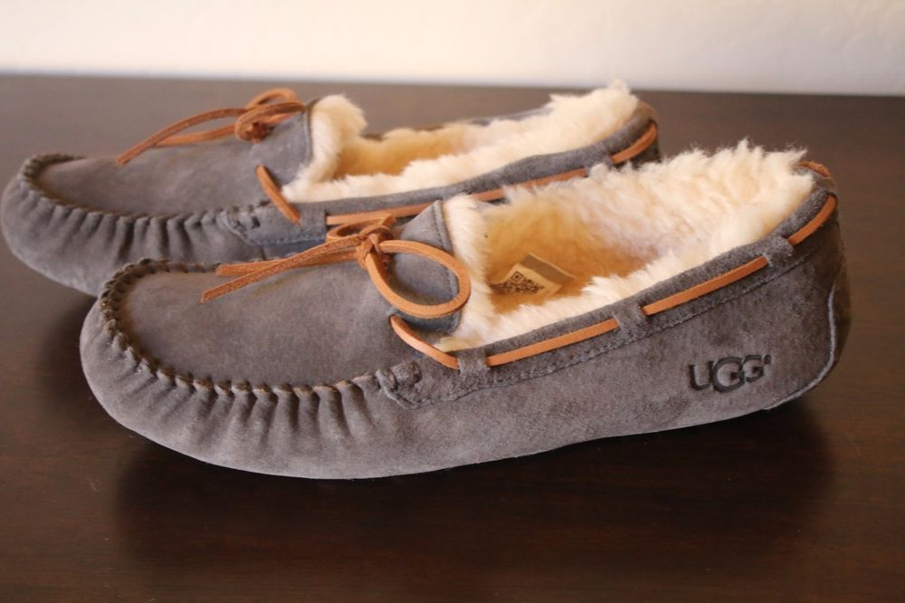 1de7c193101 UGG Australia Women's Dakota Suede Slipper Gray Pewter Tie Size 10 ...