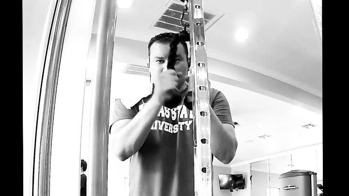It's been a while since I shared a workout video. 💪 🌮 🏋🏽♂️🤺 Trying to get ready in case @official...