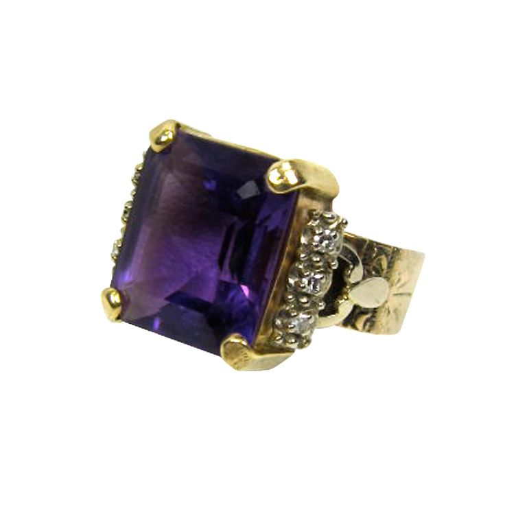 VINTAGE EDWARDIAN HEIRLOOM AMETHYST 14K GOLD RING .12 DIAMONDS #antique #vintage #downtonabbey (via @1stdibs)