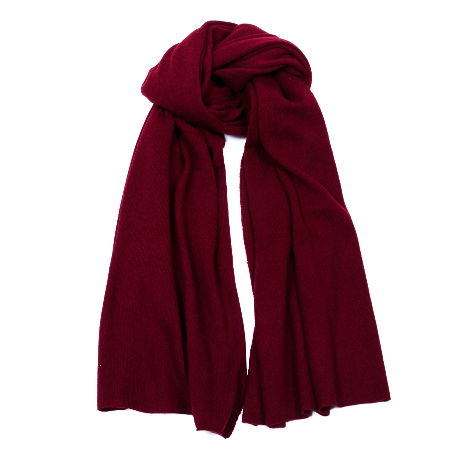 Kashmina signature scarf, 100% high quality cashmere. Take a closer look: https://www.kashmina.no/collections/kashmirskjerf/products/kashmirskjerf-1