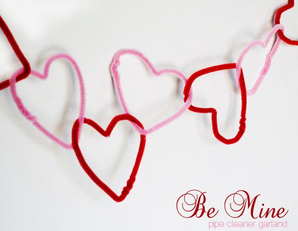 Valentines Craft: Pipe Cleaner Heart Garland | Ucreate with Kids