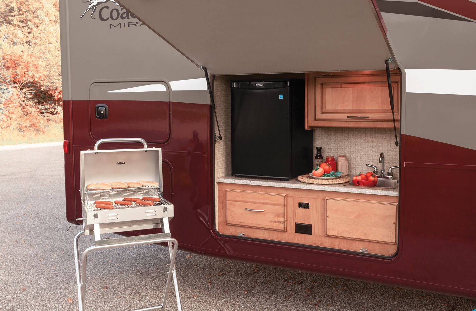 Coachmen Mirada Rv Optional Outdoor Kitchen And Entertainment Center Featuring A Grill With Qu Outdoor Camping Kitchen Simple Outdoor Kitchen Outdoor Kitchen