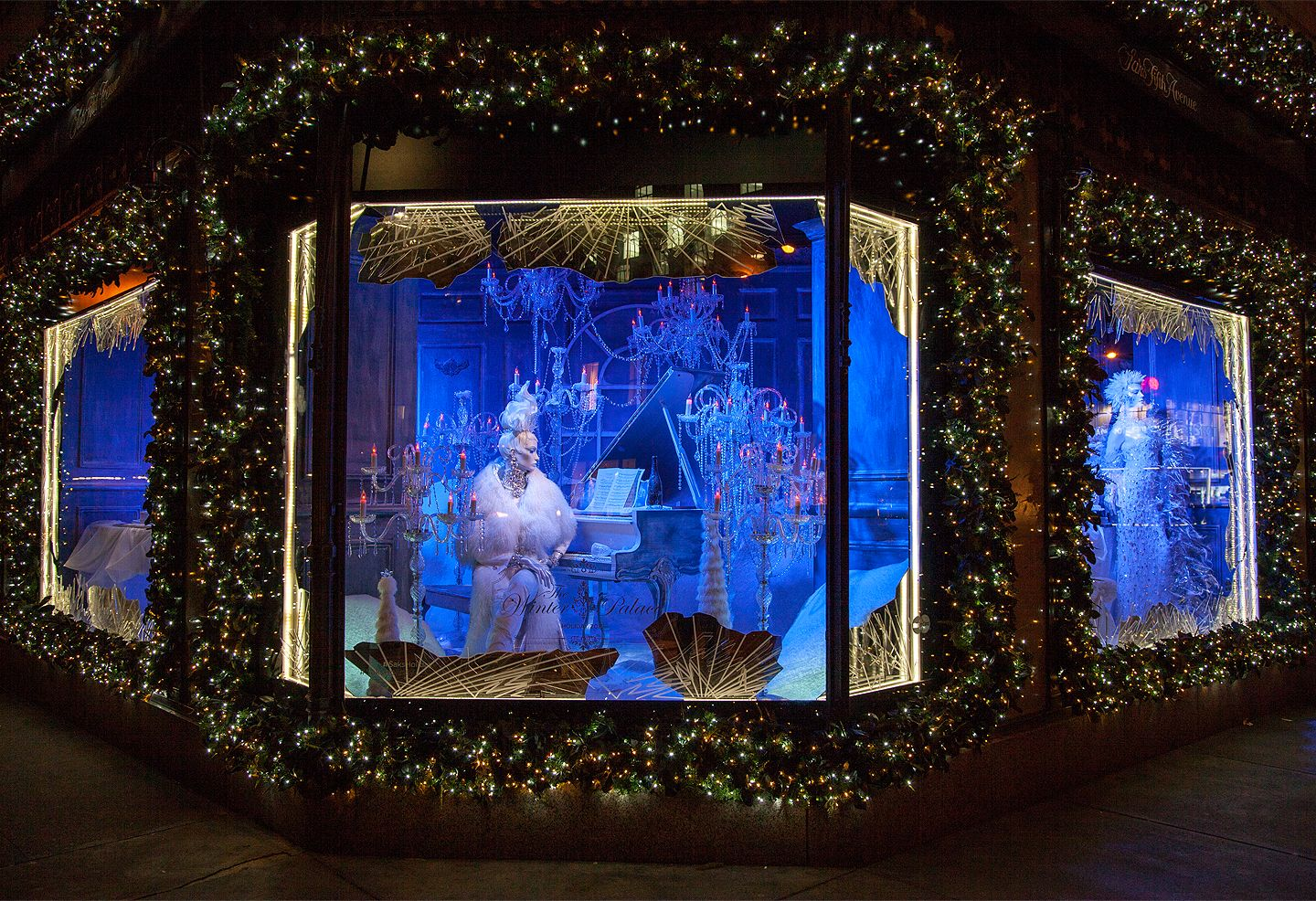 Saks fifth avenue christmas window