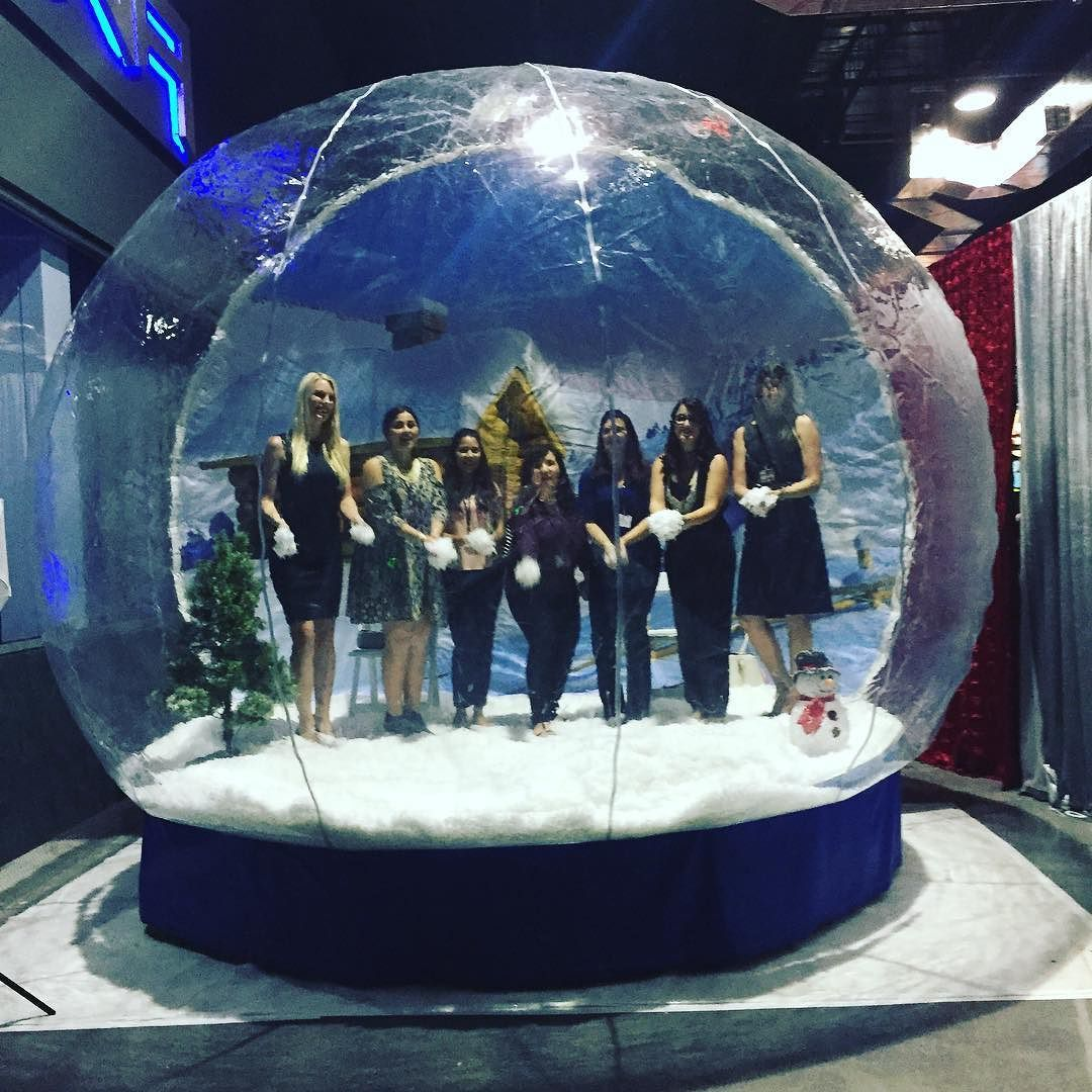 Yay We Re In A Giant Life Size Snow Globe Happyholidays Nawp
