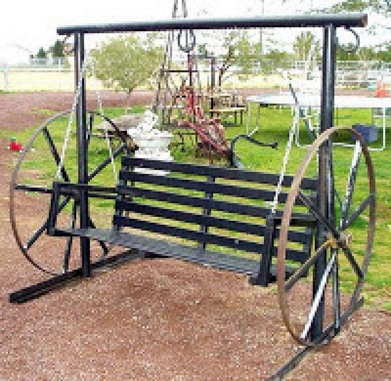 Restaurando una rueda de carro para tu hogar muy for Carros de madera para jardin