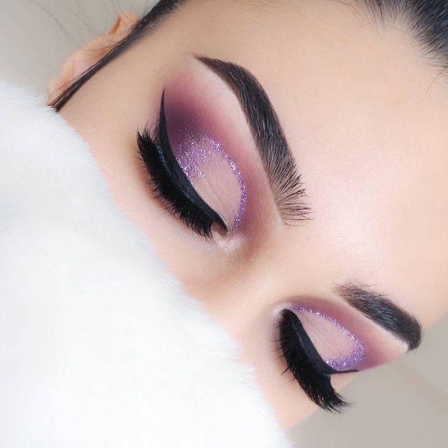 Photo of Best Glitter Eyeliner Looks, Plus Top Tips and Vids Online – LiveGlam