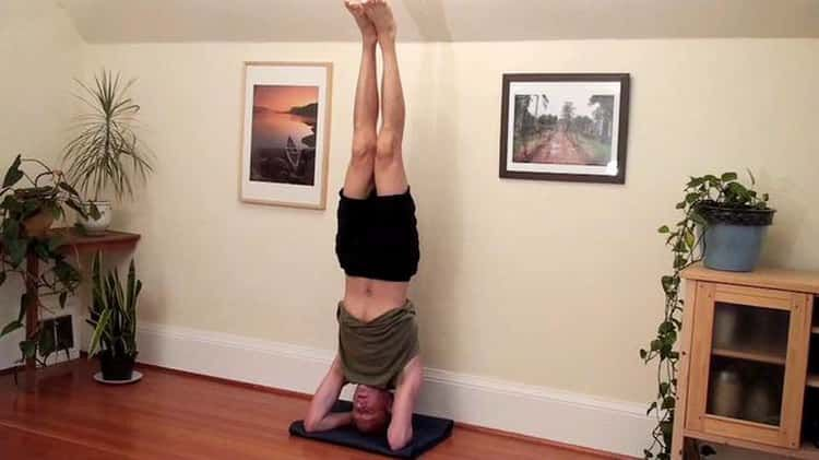 Headstand Against The Wall Sirsasana Headstand Poses Headstand Poses