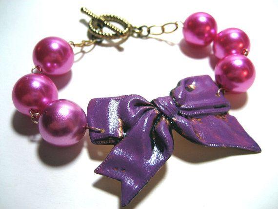 Chunky purple bow bracelet would go great on my purse!!