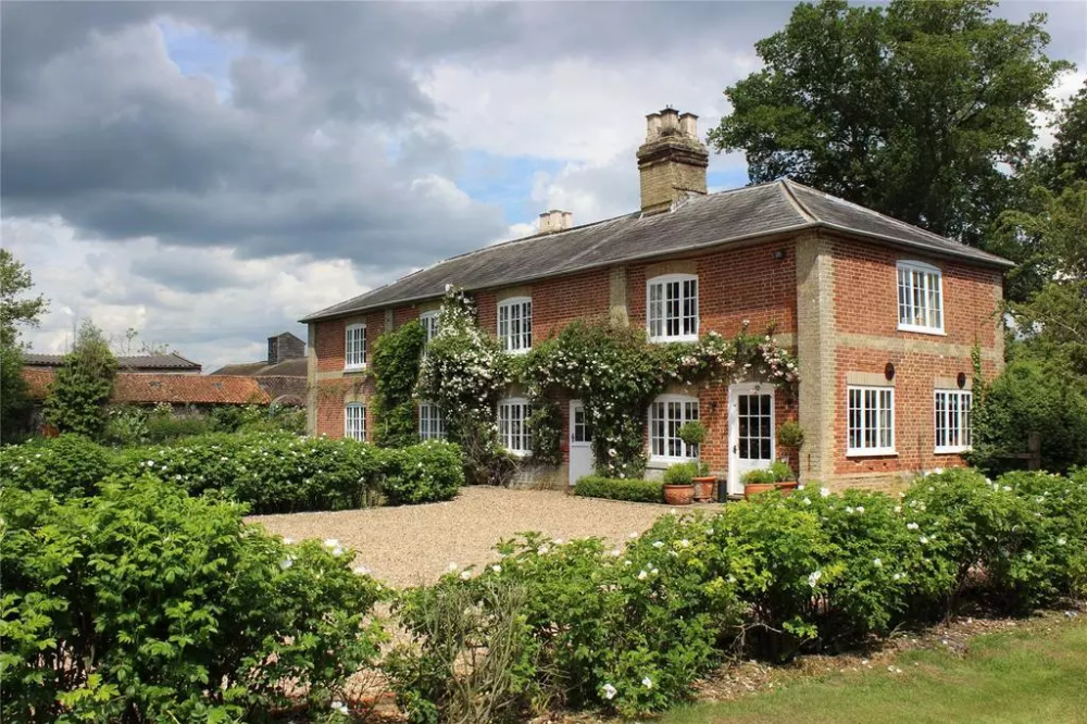 Sibton Green Saxmundham Suffolk Ip17 5 Bed Detached House 1 200 000 Detached House House French Windows