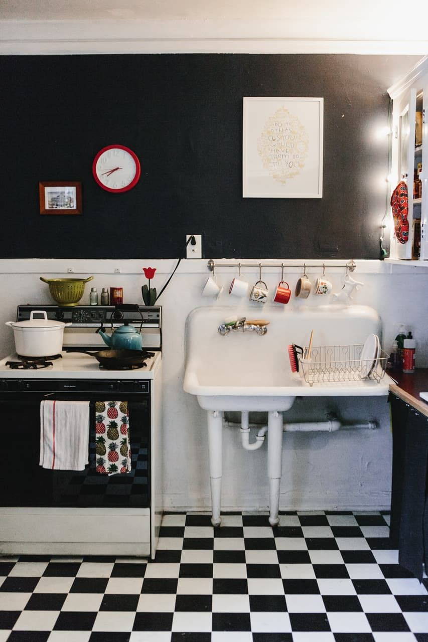 A Small Sweet Chicago Studio Apartment Kitchens Pinterest